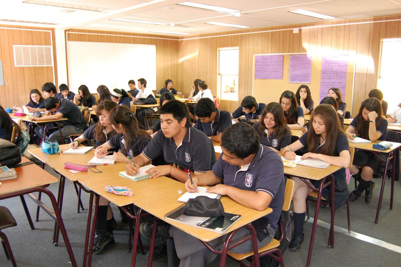 Ministerio de Educación elimina la repitencia y eximición desde el 2019