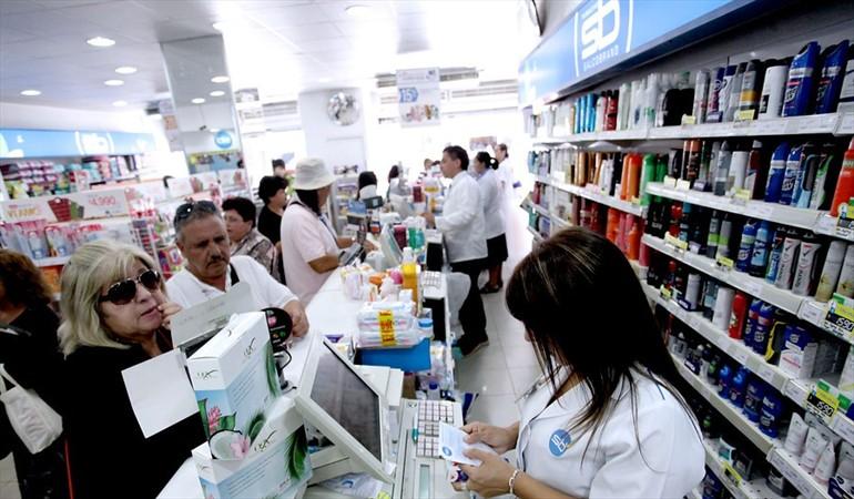 Se termina con la entrega de bolsas plásticas en farmacias
