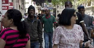Gastos fiscales por extranjeros superan los $243 mil millones en Chile