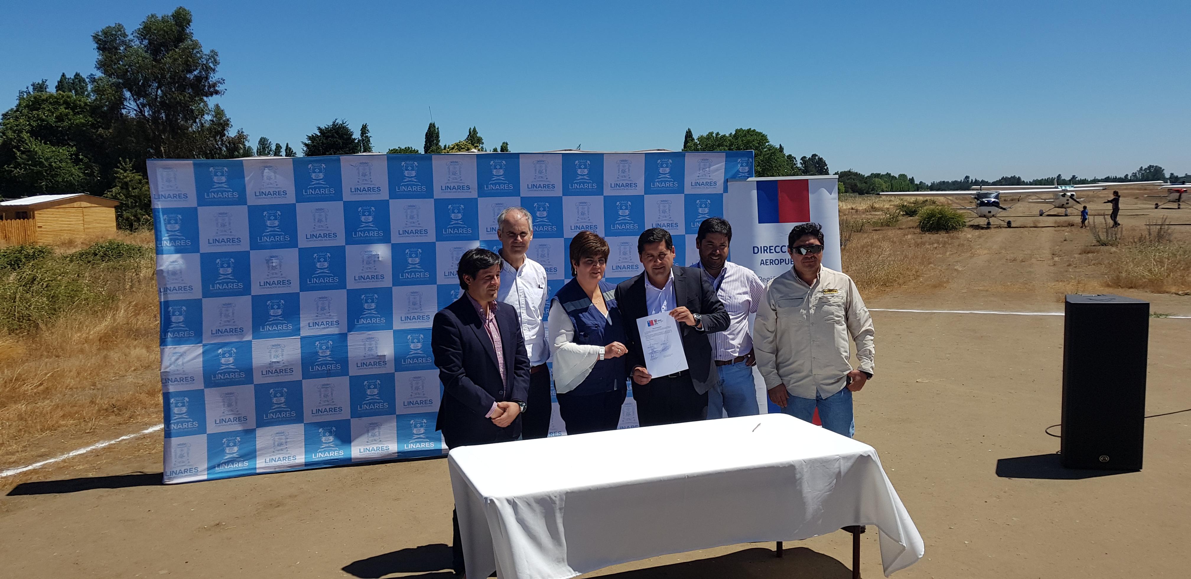 MOP inicia pavimentación y cierre del Aeródromo San Antonio de Linares