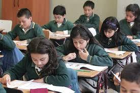 Ministro Figueroa señaló que aun no hay claridad de cuando se reanudarán las clases en el país