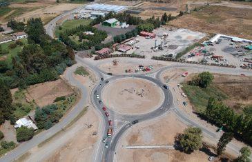 Nueva rotonda en acceso a Linares superó el 80% de avance físico