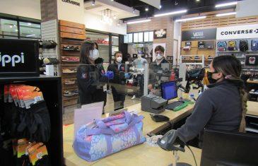 Dirección del Trabajo fiscalizó medidas contra el coronavirus en el reabierto mall Portal del Centro