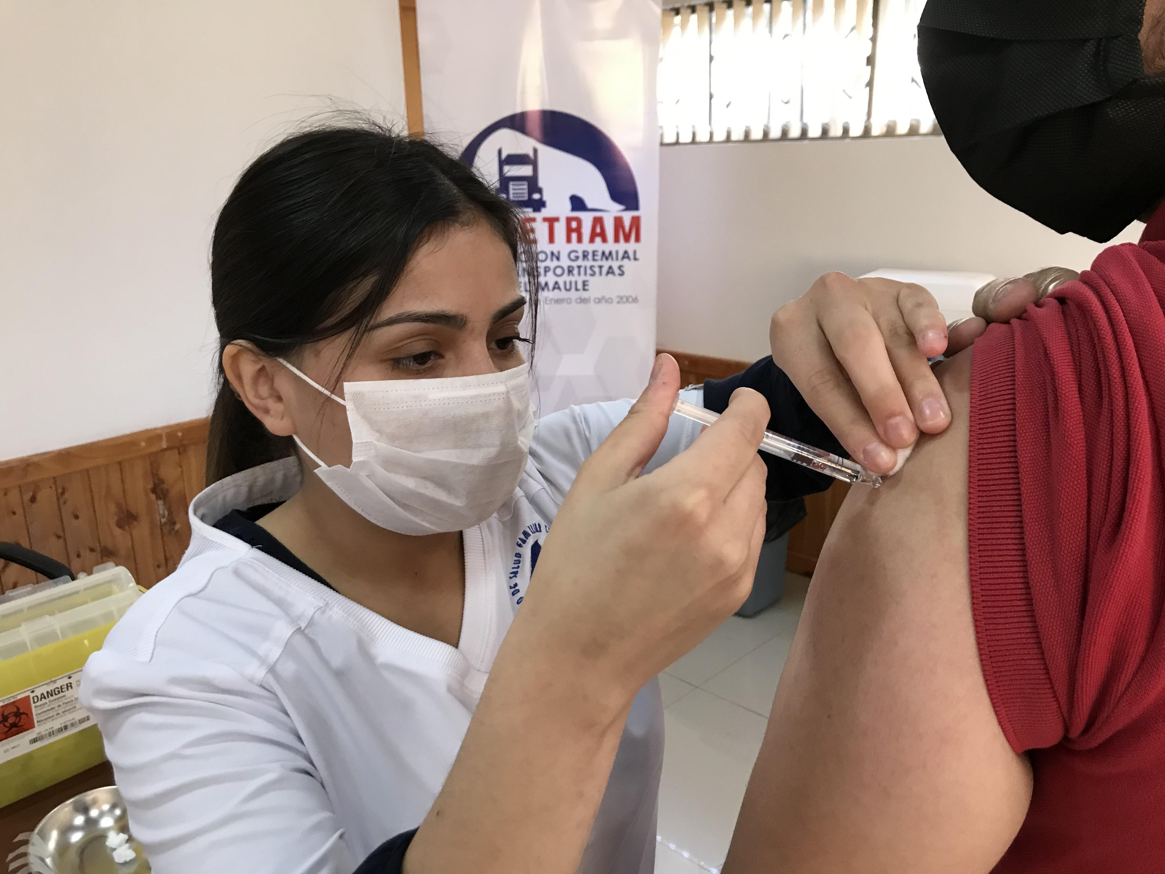 Más de 270 camioneros fueron vacunados en Constitución