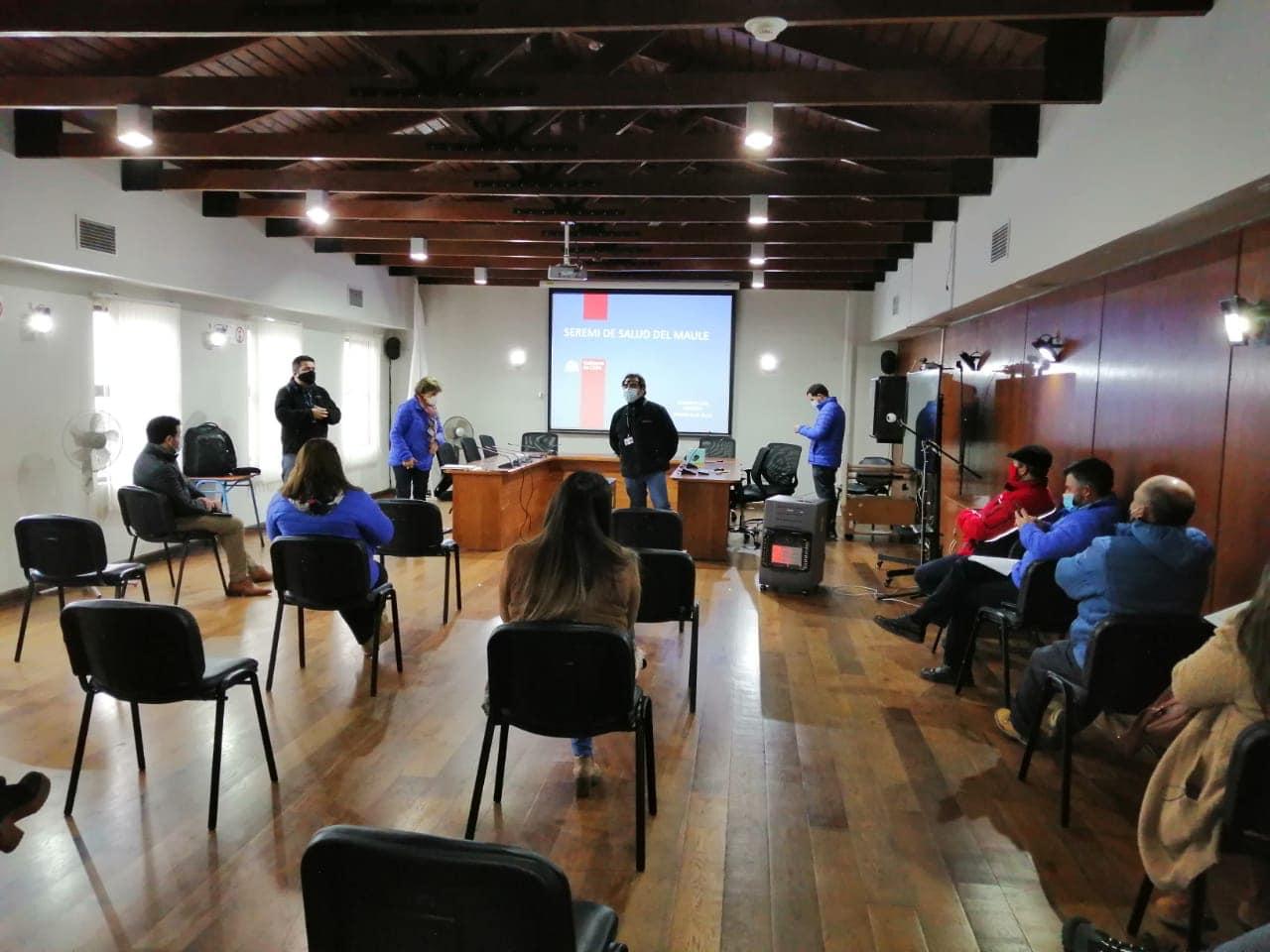 Seremi de salud del Maule capacitó a inspectores municipales de san clemente como fiscalizadores sanitarios