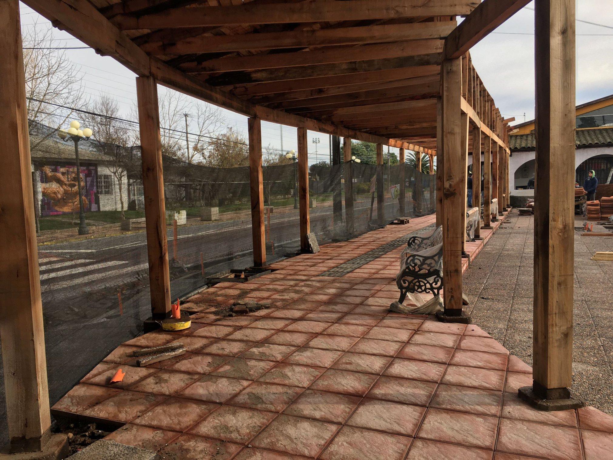Obras de mejoramiento del entorno del centro de informaciones turísticas de San Clemente llevan un 85 por ciento de avance.