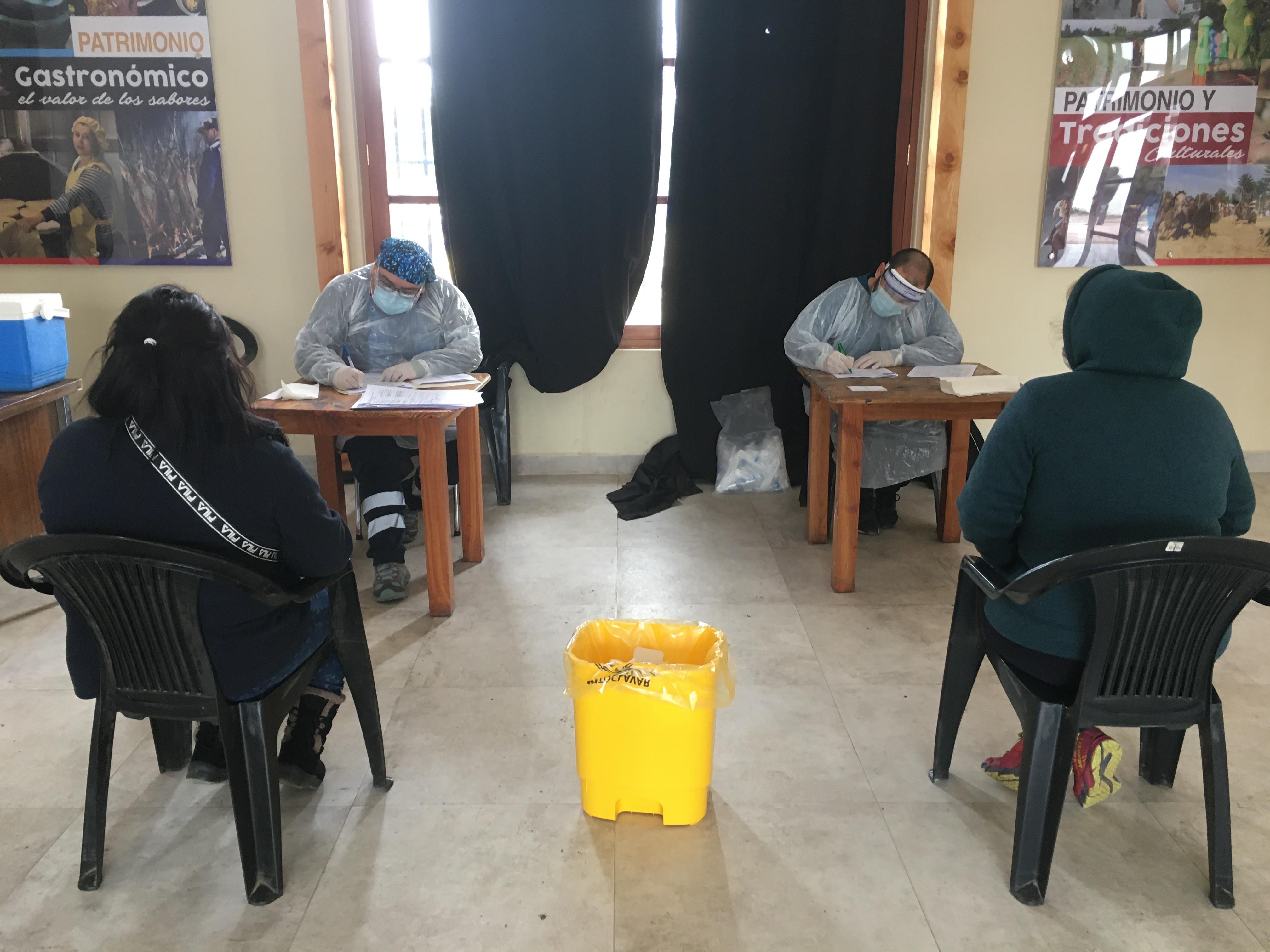 Departamento comunal de salud realiza exámenes comunitarios de covid-19 en distintos sectores de san clemente