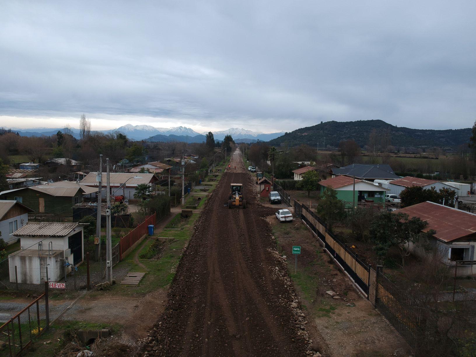 Avanzan obras de pavimentación de caminos rurales de San Clemente