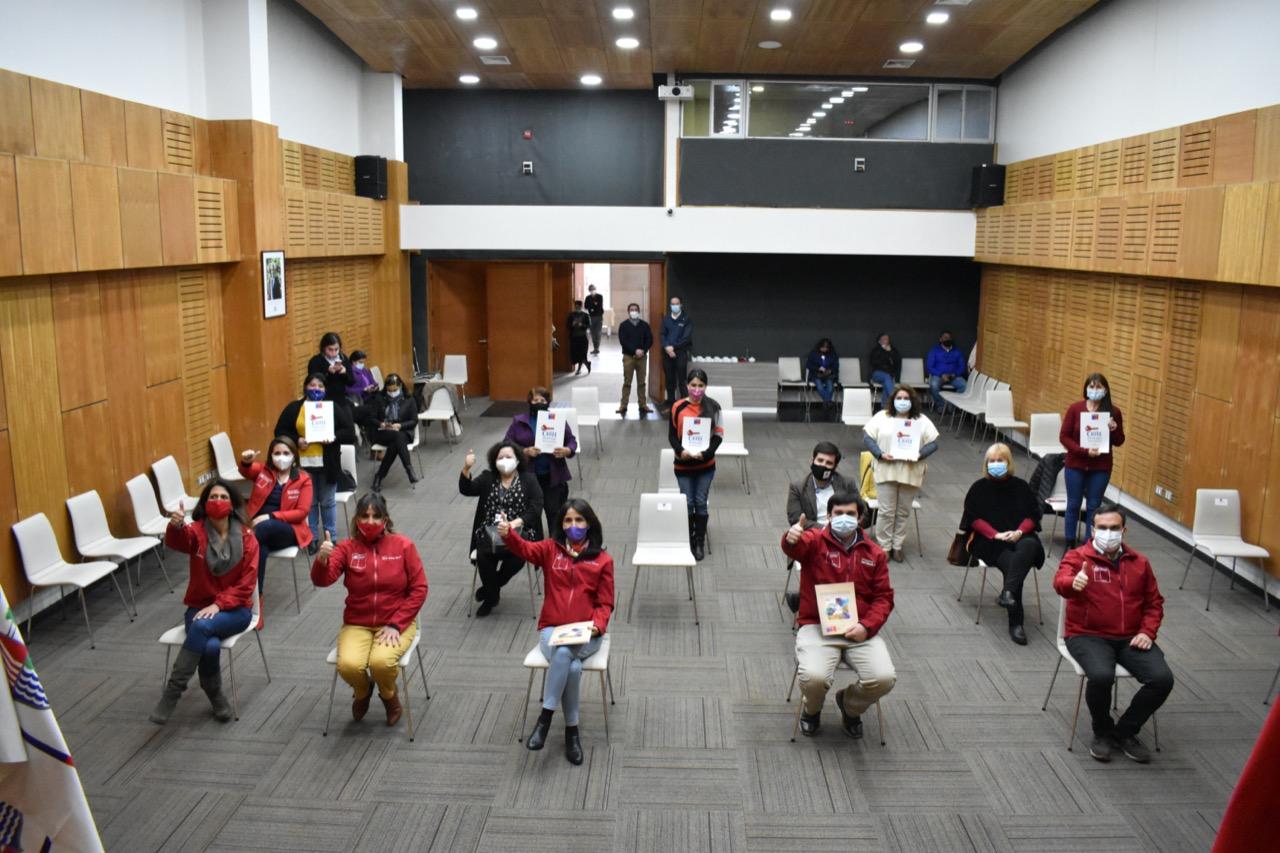 """Tras años de espera mujeres de la Región del Maule recibieron un """"pedacito de Chile"""""""