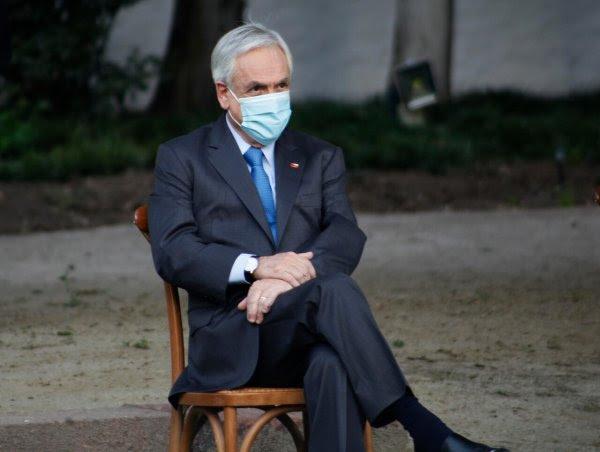 """Piñera plantea que irrupción de la """"extrema izquierda"""" terminó con los tres tercios en la política chilena"""