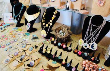 Emprendedores maulinos exhiben y comercializan sus mejores productos en el Cyber FOSIS Navidad