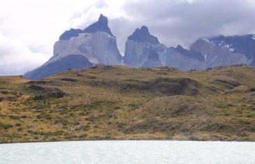 Ministra Undurraga presenta plataforma electrónica que permitirá reservar on line las visitas a las Torres del Paine