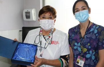 Emoción y agradecimiento de médicas homenajeadas en 1er Premio a la Mujer Médica Maulina