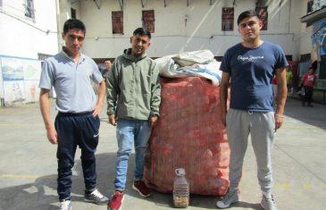 Internos del Penal de Talca aprovechan el tiempo de pandemia para reciclar plásticos