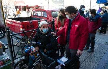 Moderna silla de ruedas le cambiará la vida a conocido vendedor talquino