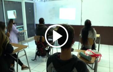Alumnos de IV medio que estén vacunados contra el Covid-19 podrán regresar de manera presencial a clases en Linares