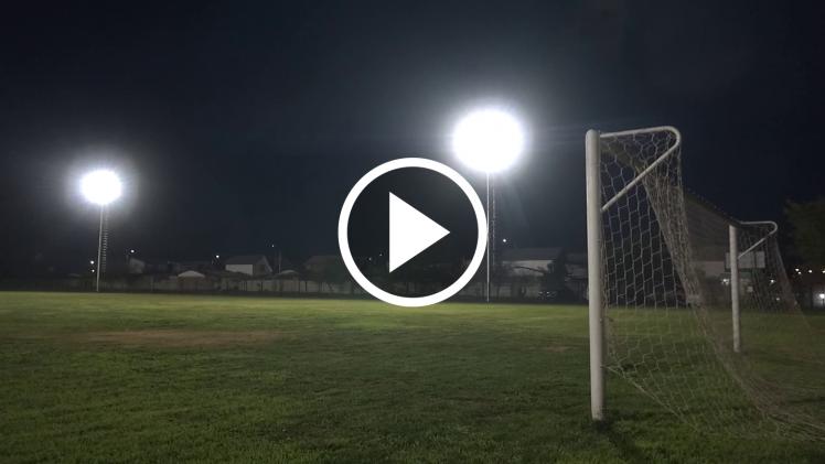 Club 21 de Mayo cuenta con nueva luminaria deportiva en Talca