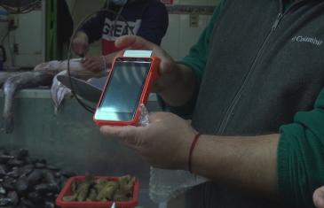 Locatarios del crea en Talca recibieron máquinas de boleta electrónicas en el marco de la modernización tributaria