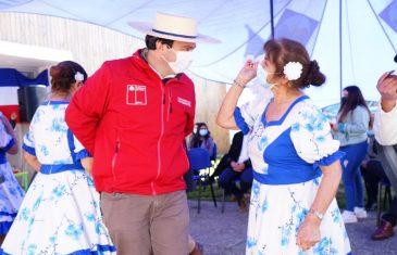 Adultos mayores de Río Claro celebran las Fiestas Patrias con cueca