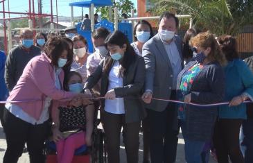 Municipio inauguró nueva plaza en villa las estrellas en Talca